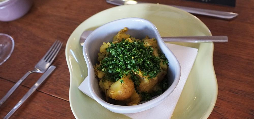 Kartofler med friske krydderurter på Villa Dining i Aarhus