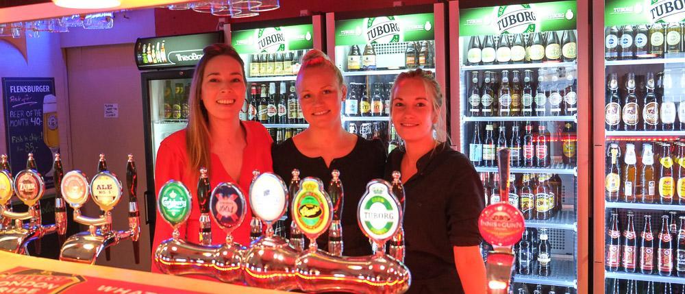 Kvinder og øl på Bierfass