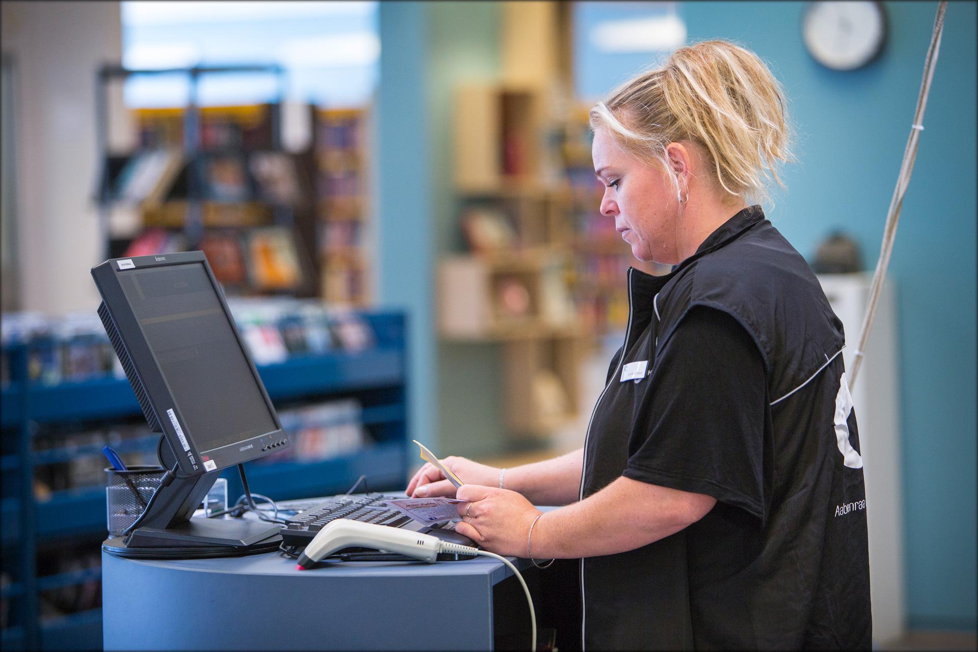 Bryder monopol: Aarhusiansk IT-virksomhed får hul igennem til det svenske biblioteksmarked