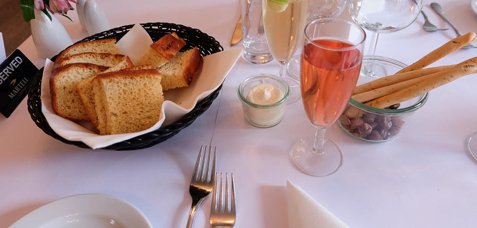 Lidt blandet vin på Restaurant Terrassen i Friheden