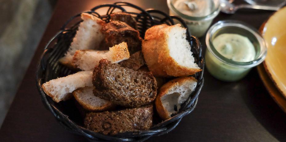 Lidt nybagt brød hos Sans med Früd