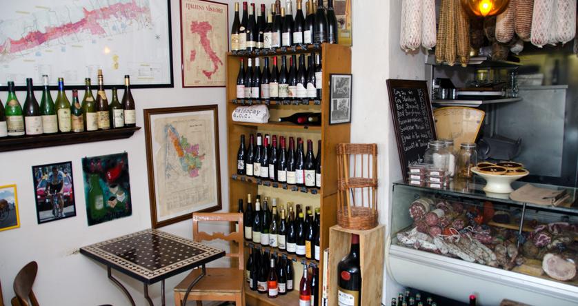 Lidt vin hos DELI'EN i Jægergårdsgade