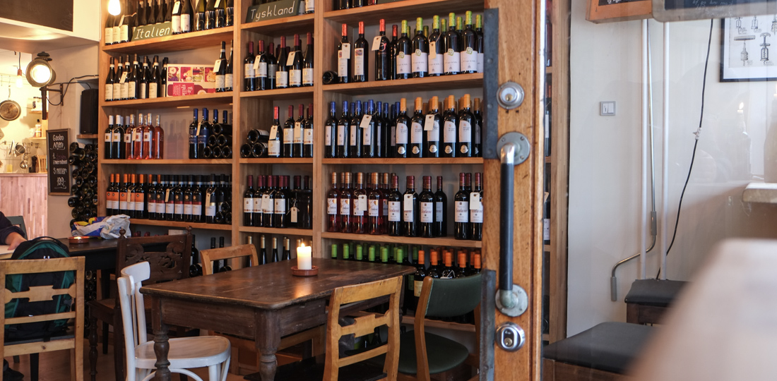 Lidt vin på Vincaféen i Århus