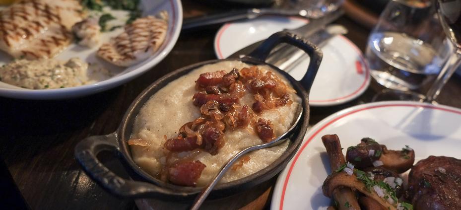 MASH kartofler (mos) med løg og bacon  - MASH i Aarhus