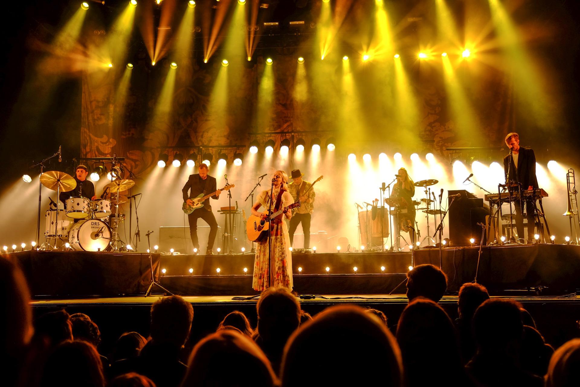 Mads Langer og Tina Dickow: Charmerede publikum til Festugens dobbeltkoncert