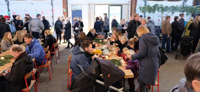 Mange spisende på Godsbanen i Aarhus
