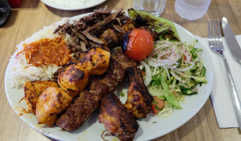 Mixed grill hos Saray Kebab i Hasle