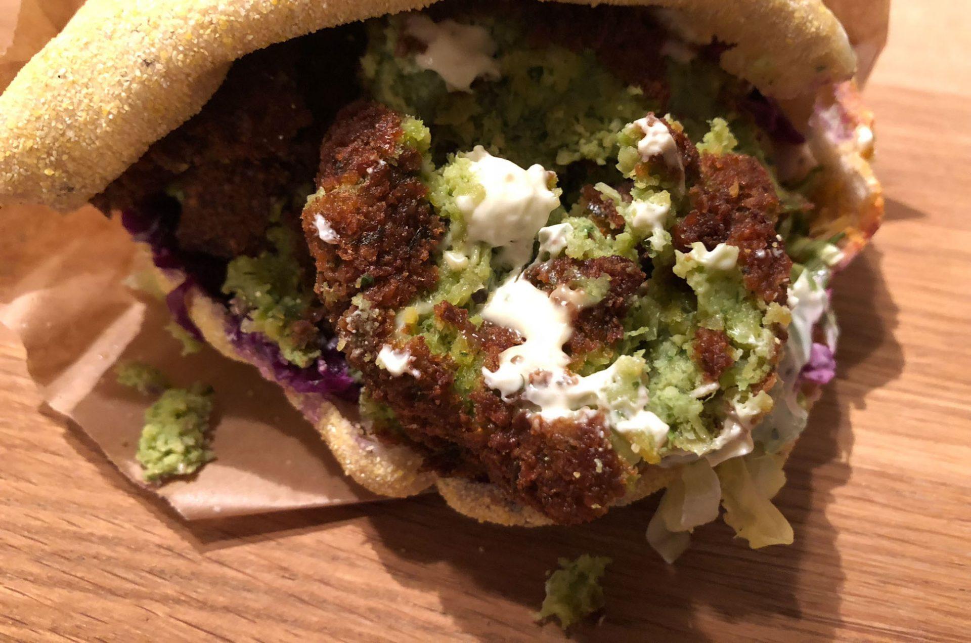 Falafelguide: Her finder du de bedste falafler i Aarhus
