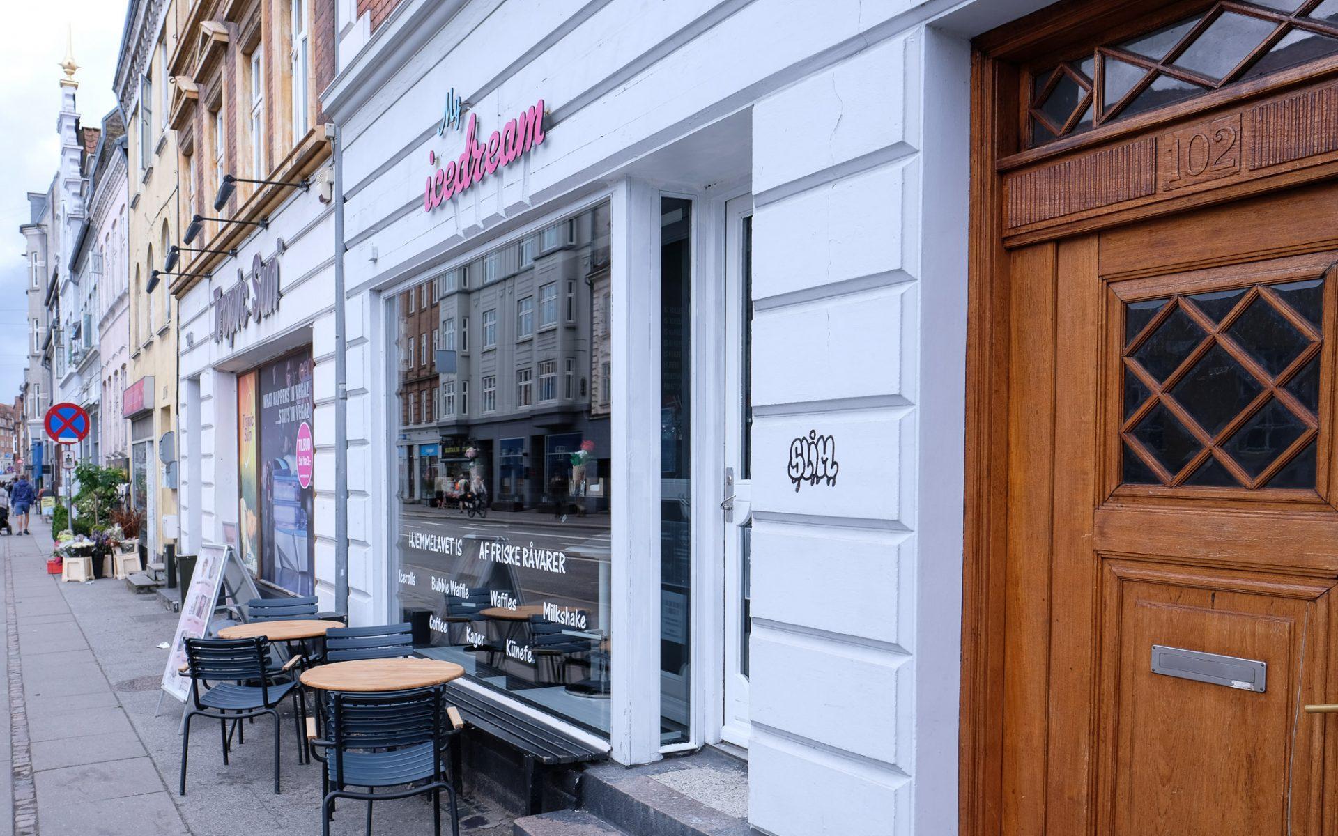 Ny arabisk isbutik på Frederiks Allé: Hjemmelavet is, som ikke er set i Aarhus før