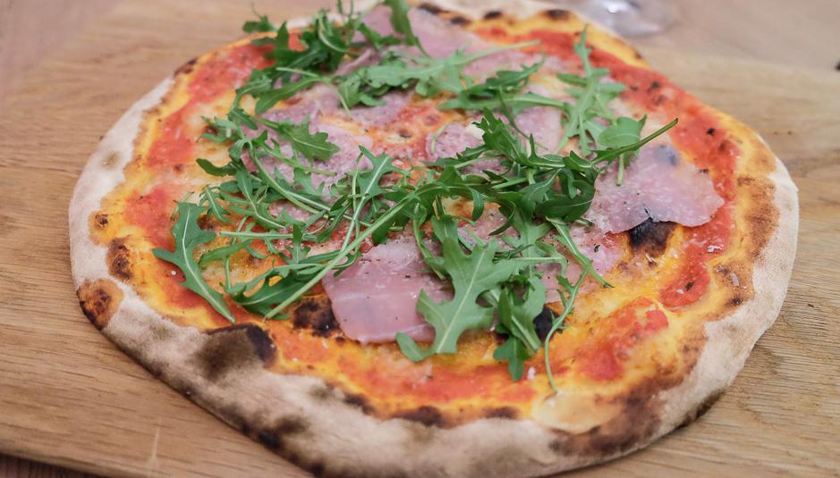 Propria, en træfyret stenovn og pizza som de bedste i Napoli