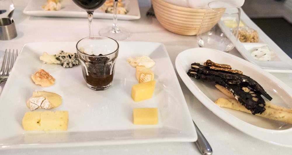 Otte oste på Miró