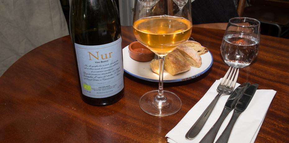 Overraskende godt glas vin hos Deli'en på Nordre Strandvej