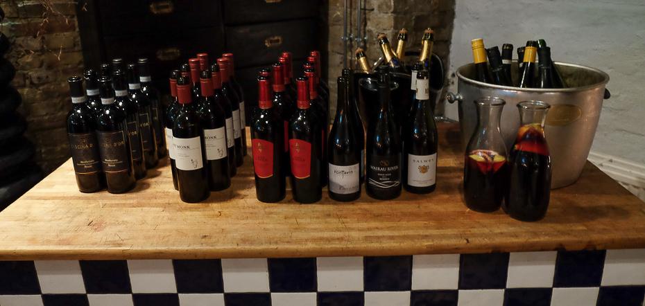 Pænt udvalg af vin hos Sans med Früd