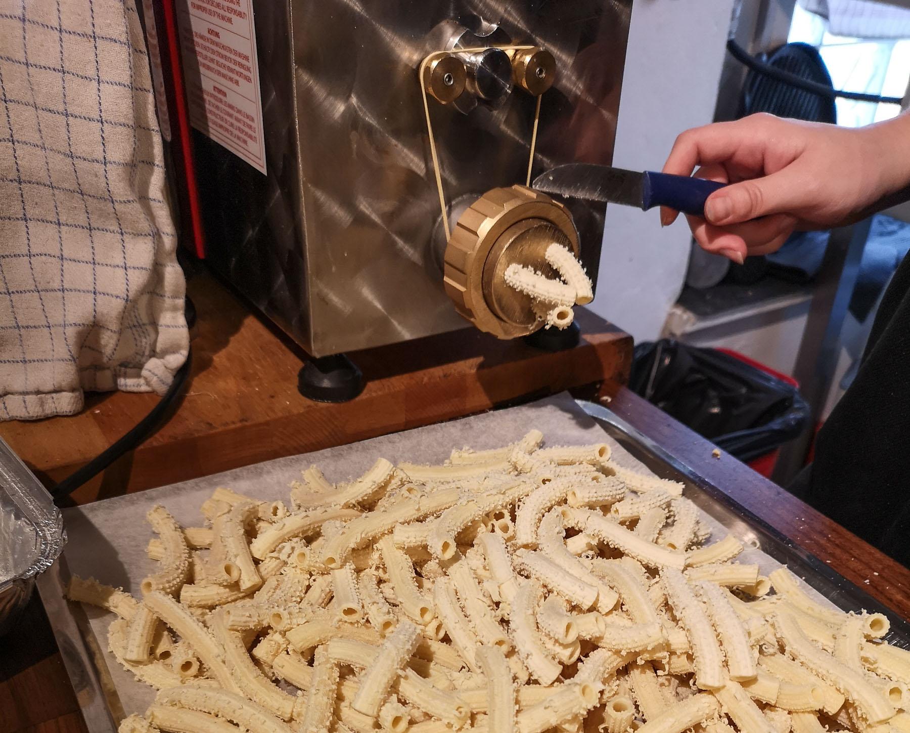 "Italienske Delizioso: En pasta-afdeling med hjemmelavet pasta som ""hjemme"" i Napoli"