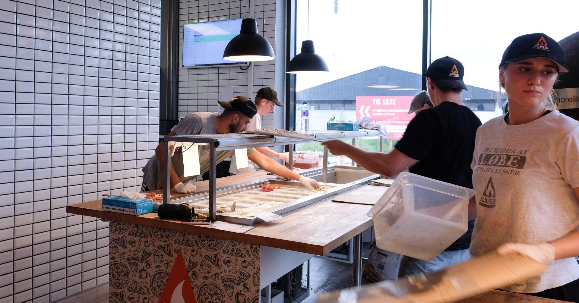 Goodbye Italien: Ild.pizza scorer topkarakter i deres brændefyret stenovn