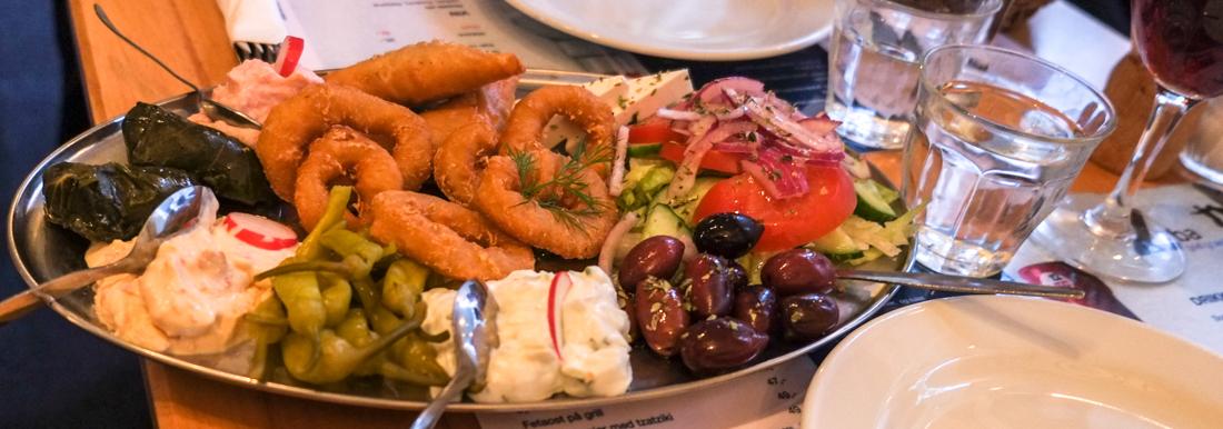 Pikilia til to personer på Restaurant Zorba i Frederiks Allé