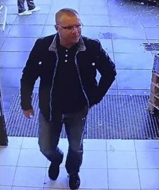 Står bag stort brilletyveri i Galten: Kender du denne mand?