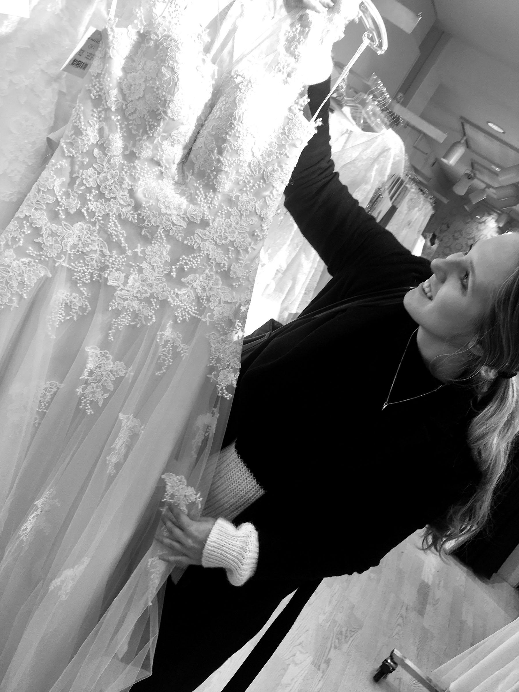 Brudekjoler: Her kombinerer de skrædderforretningen og second-hand konceptet i et