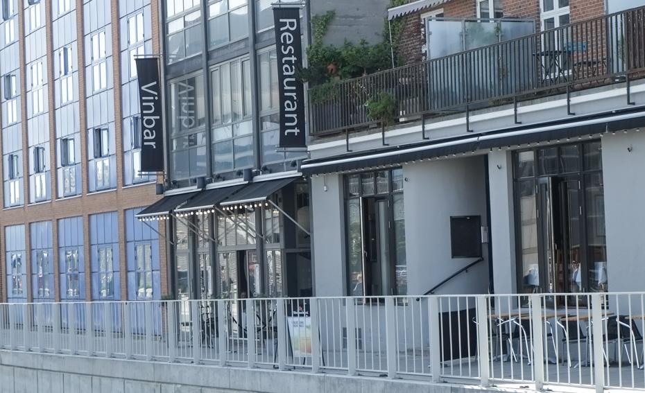 Restaurant ET ligger smuk ved åen
