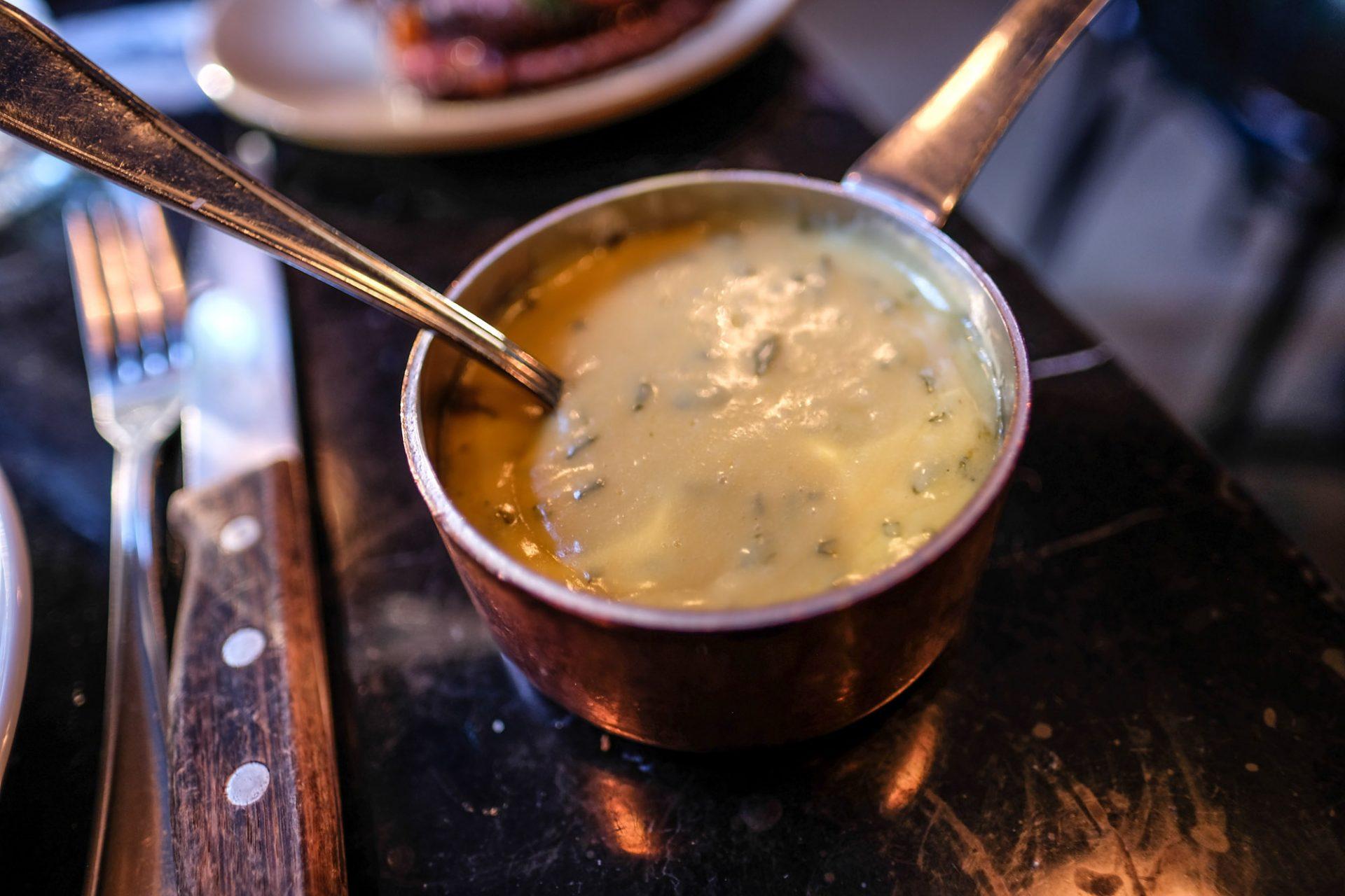 Sunday Roast: Retour Steak scorer højt på to retter til 225 kroner
