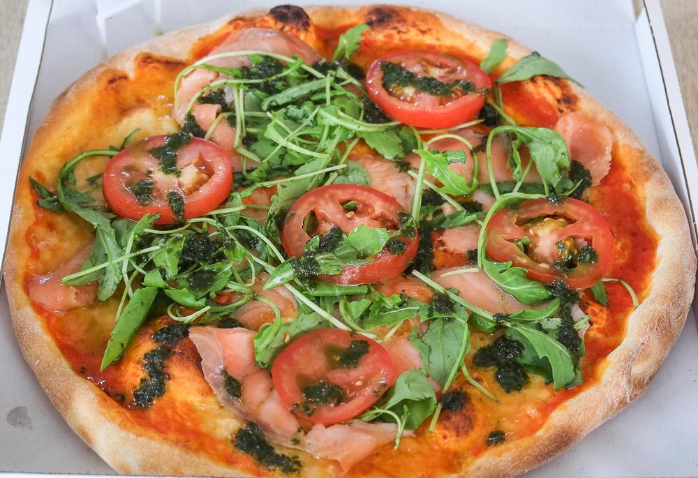 Salmone pizza fra Delizioso i Åbyhøj