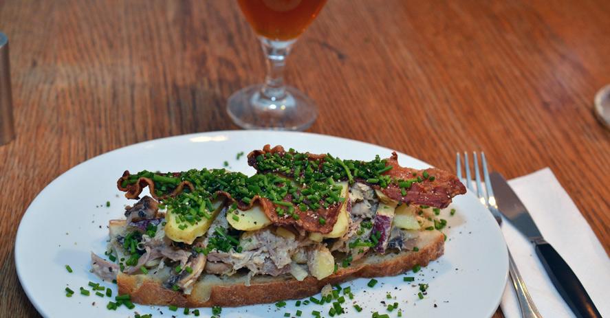 Sandwich med hønsesalat på Vesterlauget