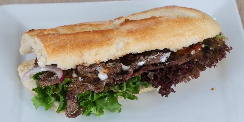 Sandwich med oksefilet fra Kemya Sandwichbar