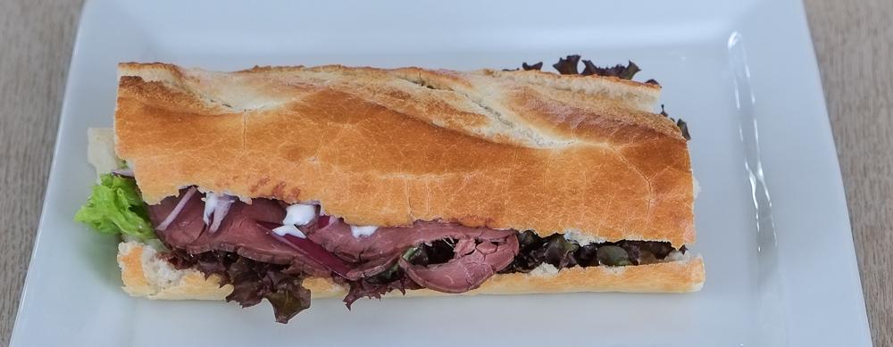 Sandwich med rostbeef fra Kemya Sandwichbar