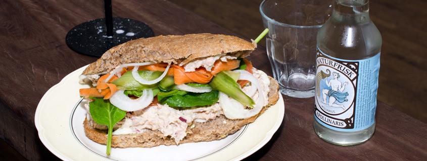 Sandwich med tun hos Langhoff & Juul