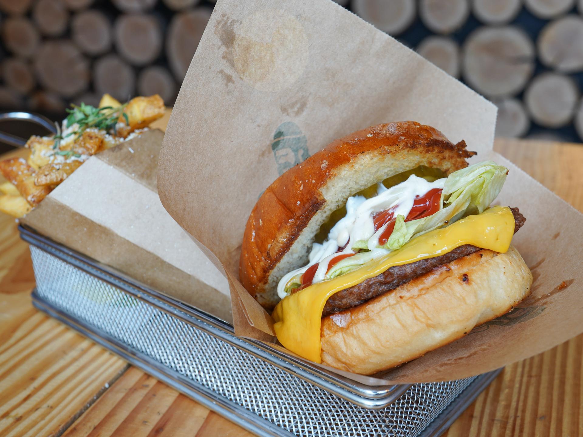Madanmeldelse: Burgerkongen i Aarhus kan endnu