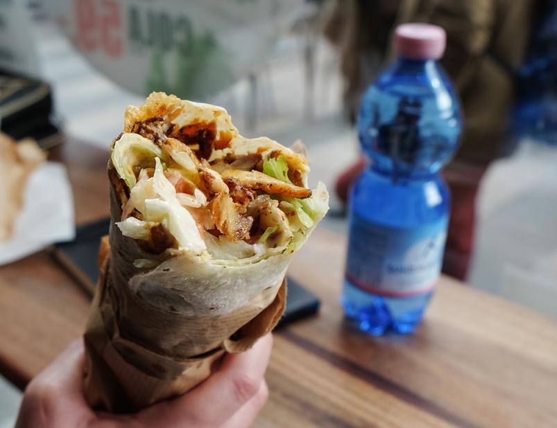 Shawarma med marineret kylling på Royal Shawarma Bar