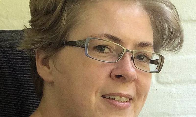 Denne 44-årige kvinde har været væk i en uge. Foto: Østjyllands Politi