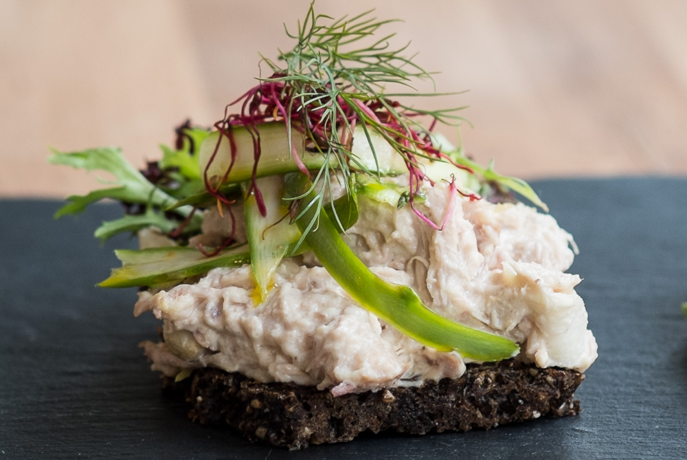 Smørrebrød med hønsesalat hos Foodfein i Aarhus