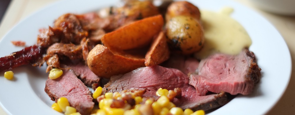 Smuk anretning med kød på Restaurant Flammen i Aarhus