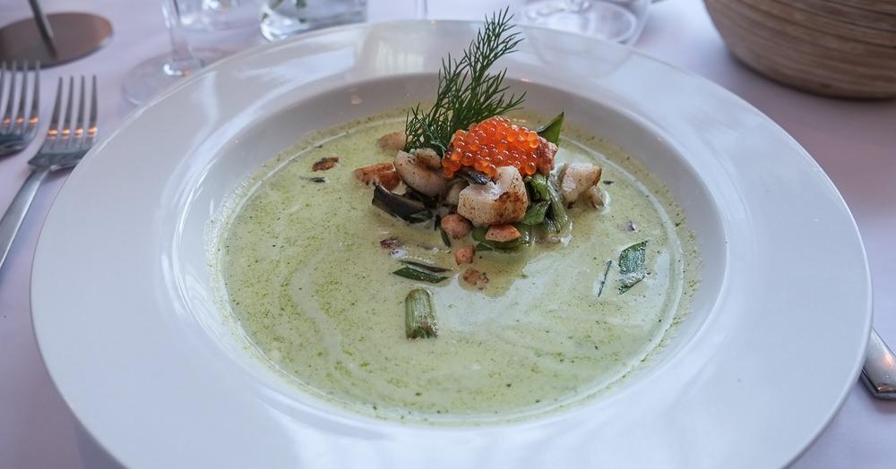 Smuk fiskesuppe på Restaurant Fedet i Risskov