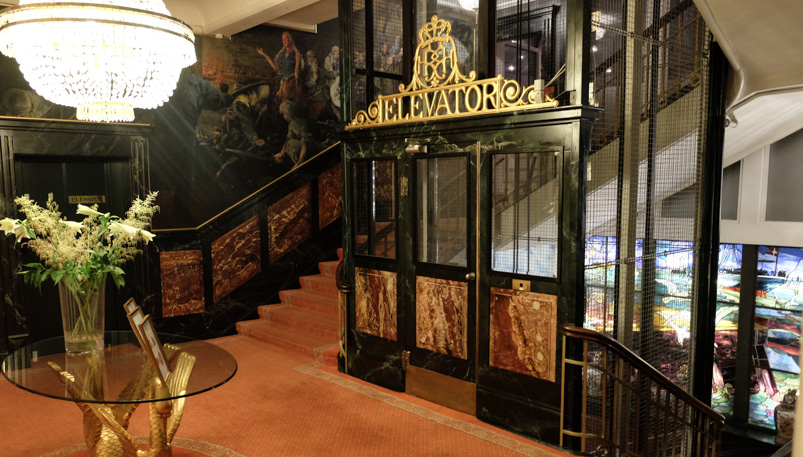 Smuk indretning hos Queens Garden på Hotel Royal