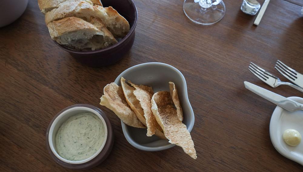 Snacks og brød hos Kählers Villa Dining