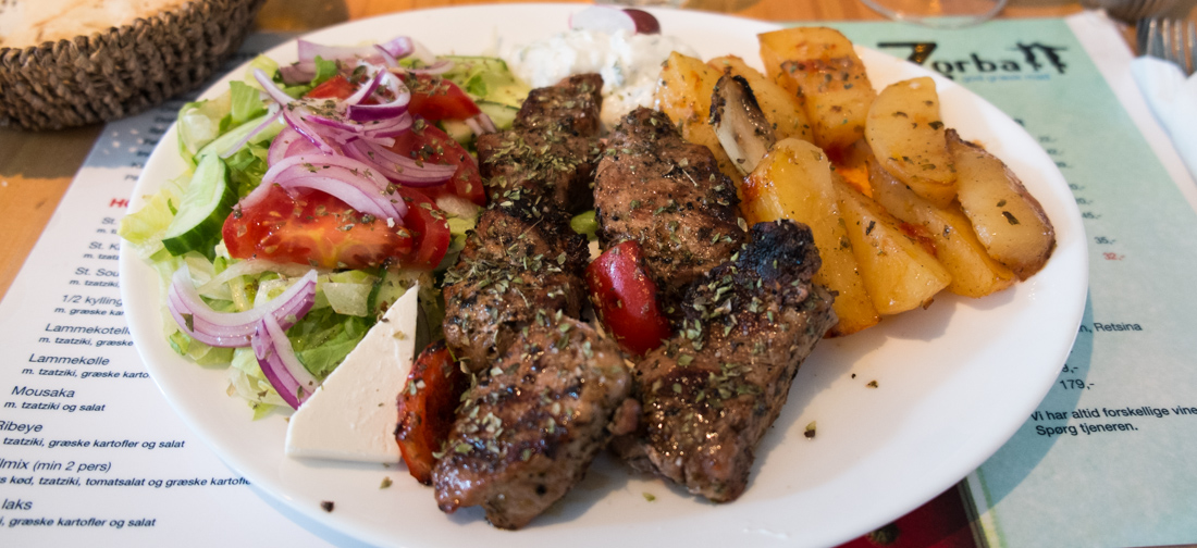 Souvlaki til 119 kroner hos Restaurant Zorba i Frederiks Allé