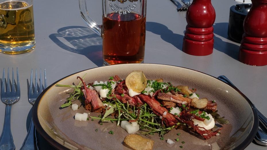 Soyabraiseret kalvespidsbryst på Restaurant Remouladen i Vejle