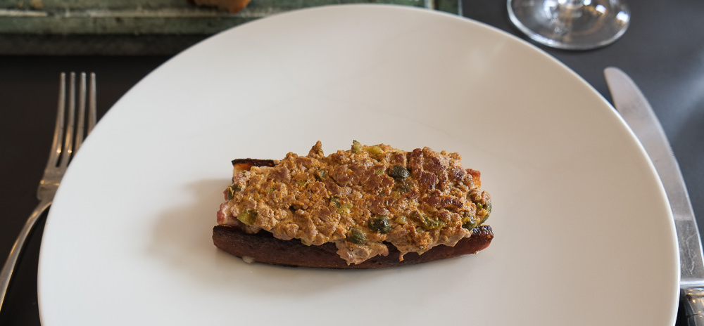 Steak Tartare som smørrebrød på Lecoq i Aarhus