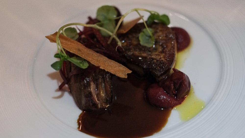 Stegt foie gras med et fransk ungduebryst på Miró i Aarhus