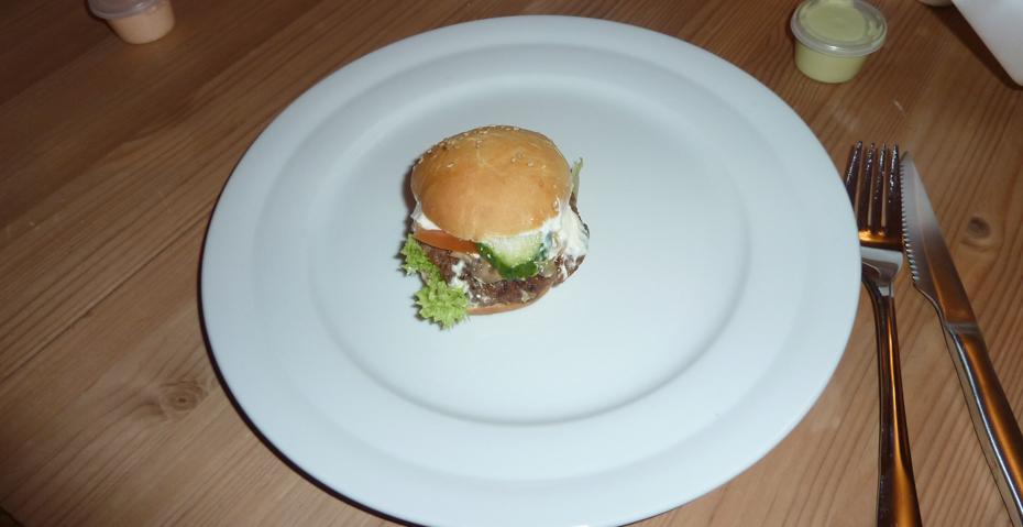 Størrelsen på en miniburger fra Rodizio på Clemens Bro