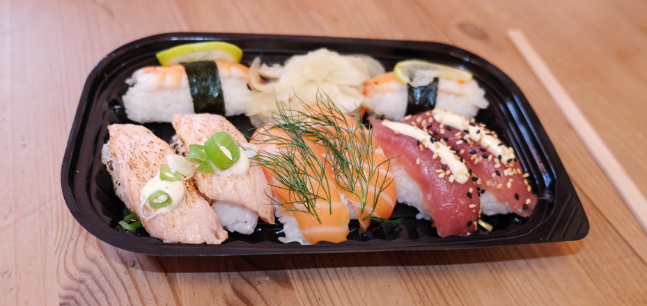 Store stykker nigiri fra Teriyaki Sushi
