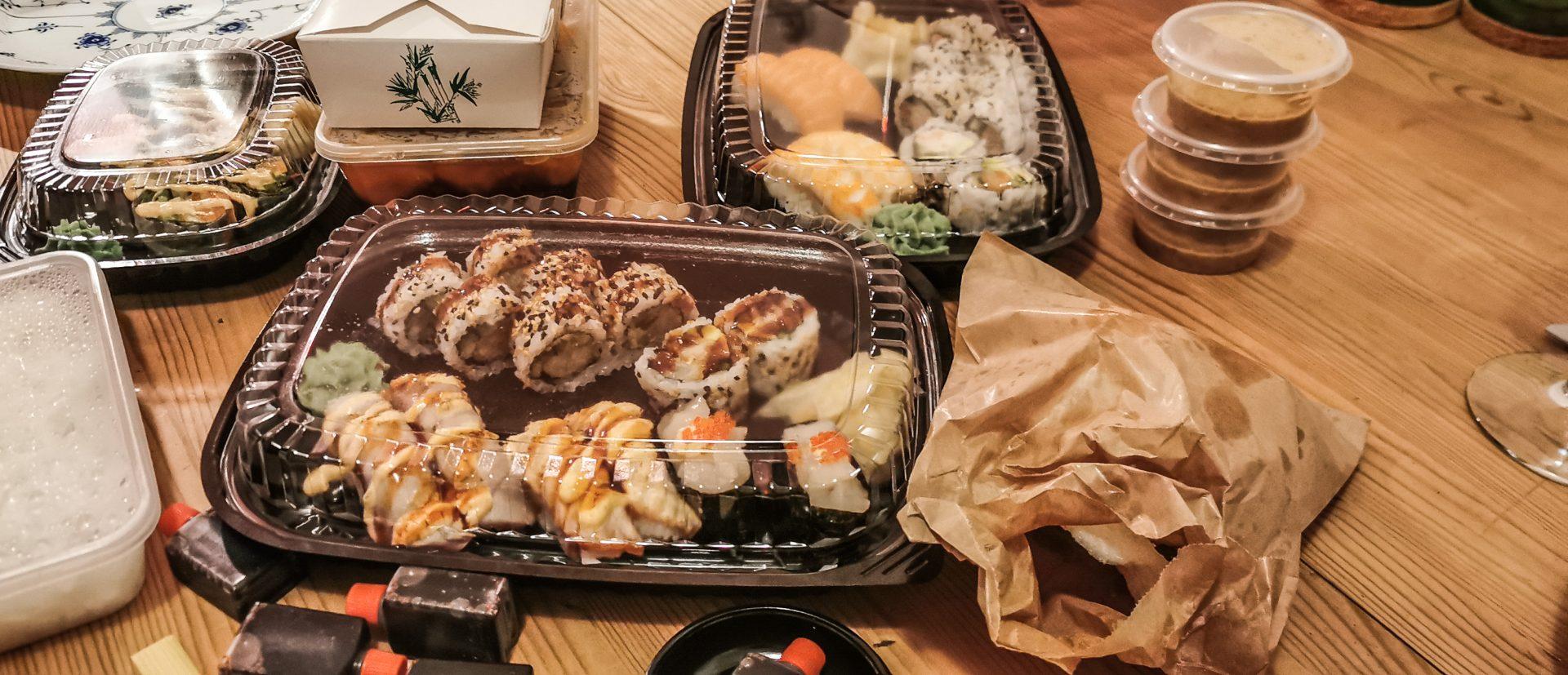 Anmeldelse af Yami Sushi: Her laver de bedre wokretter end sushi - sådan er det!