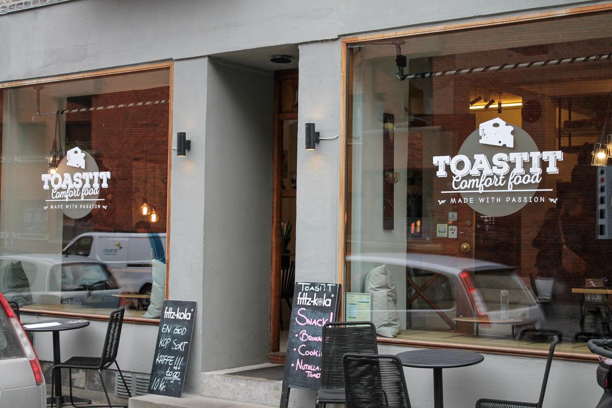 Sådan skal en toast laves: TOASTiT…. Ja TAK!