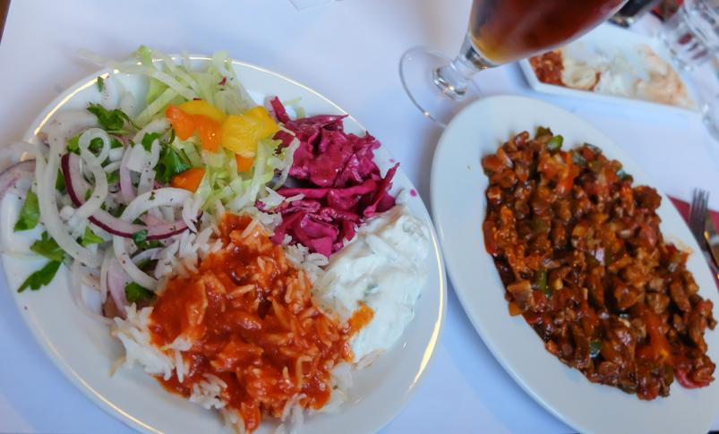 Tilbehør til coban kavurma hos Pasha - Restaurant & Café_
