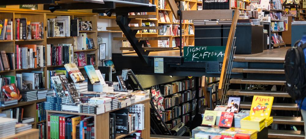 Trappen ned til Sigfreds Kaffebar i Vanggaards Boghandel