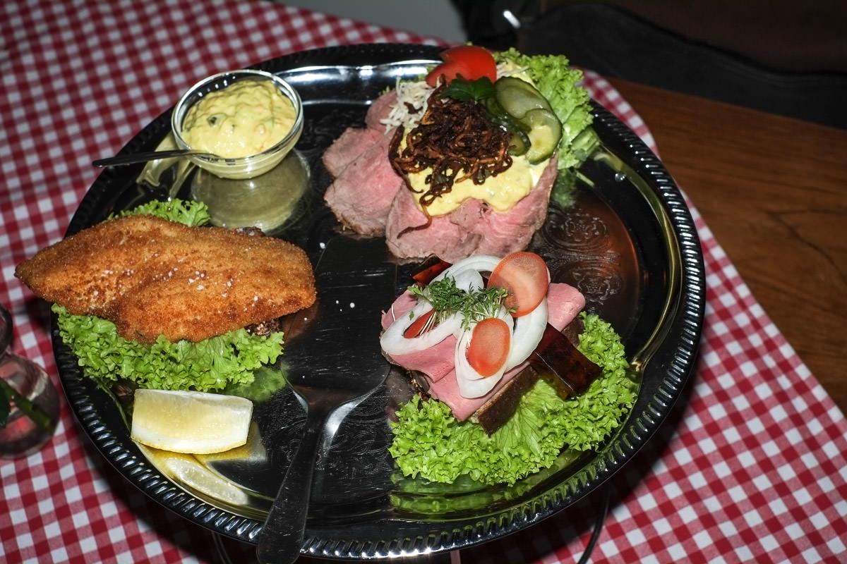 Tre stykker smørrebrød til 150 kroner på Restaurant Europa i Aarhus