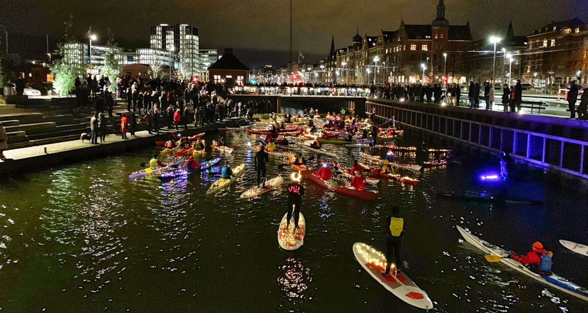 Det Lille Hus På Havnen: Inviterer på lanterneværksted og flydende Luciaoptog