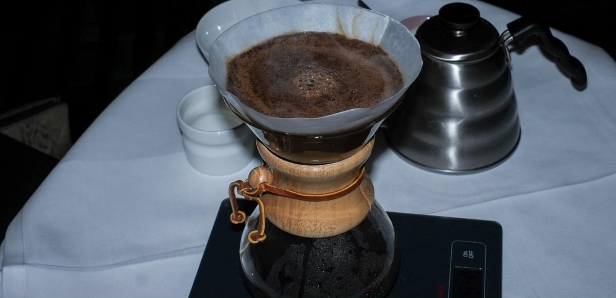 Vores kaffe bliver lavet ved bordet - Nordisk Spisehus